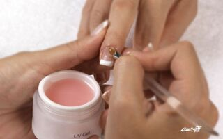 Выбор хорошего геля для наращивания ногтей: советы профессионалов, рейтинг